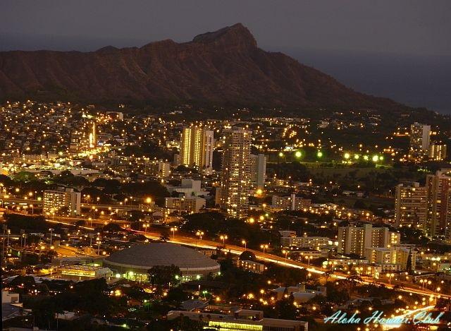 タンタルスの丘の夜景