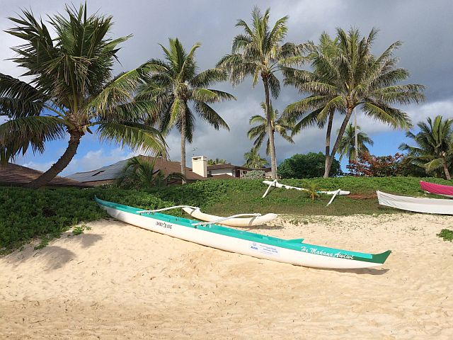 ラニカイビーチのカヌー