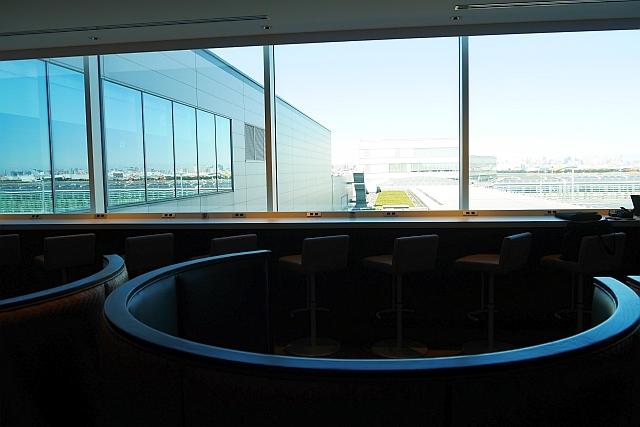JALサクララウンジの5階窓