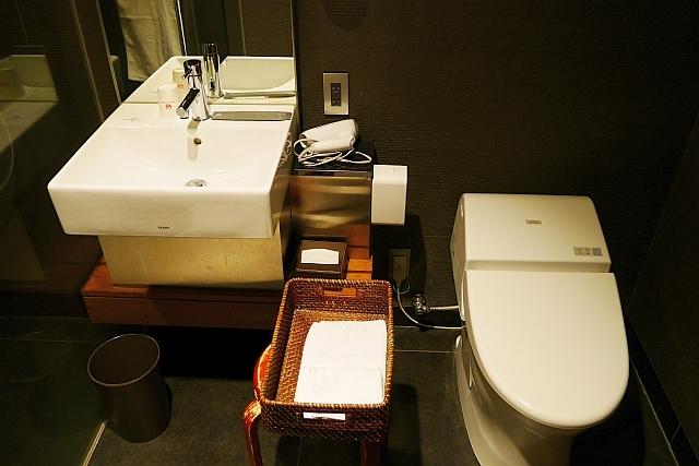 シャワー室洗面台