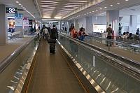 成田空港ターミナル1通路