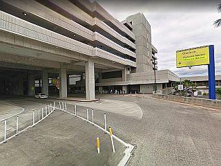 ホノルル空港レンタカー